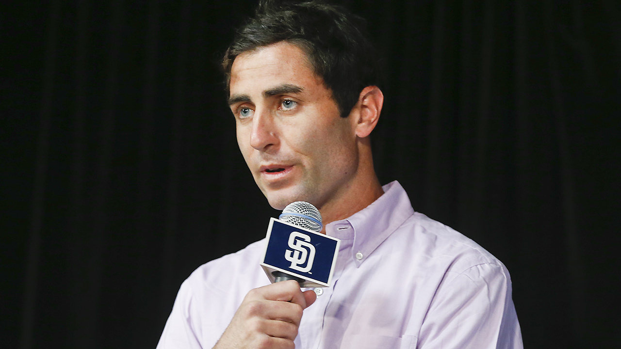 Padres begin search for full-time manager