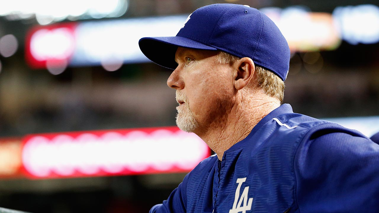 McGwire expected to be Padres' bench coach